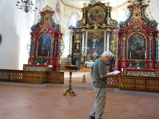 Robert erklärt uns die Geschichte des Klosters