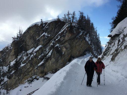 Stetig bergauf (Kathrin und Monique)