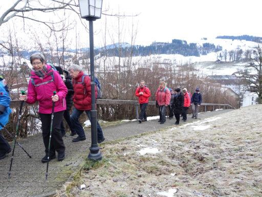 Aufstieg zur Kirche von Riggisberg