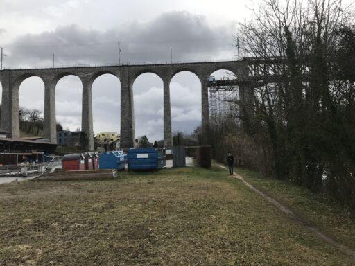 Der gewaltige Eisenbahnviadukt von Eglisau