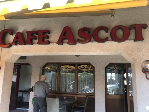Endlich: Startkaffee wieder in Restaurant
