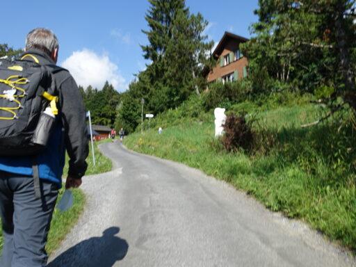 Zwischen Braunwald und Talstation Grotzenbühl-Gondelbahn