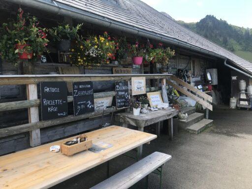 erster Zwischenhalt bei der Alphütte Oberwirtneren